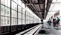 bahnhof-zug-passagier-reise-ziel